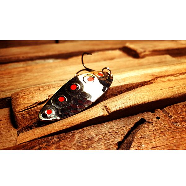 cuillère ondulante pour la pêche de la truite en rivière rapide