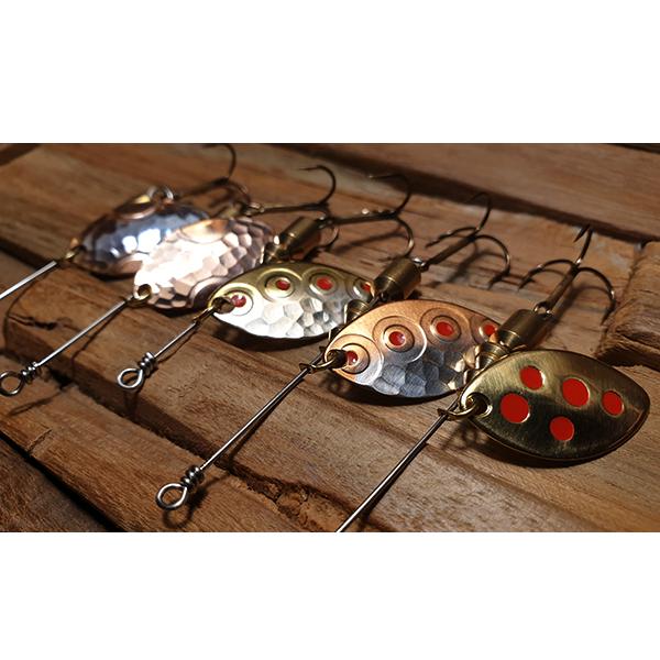 cuillère tournant faite main pour la pêche de la truite en rivière et les perches